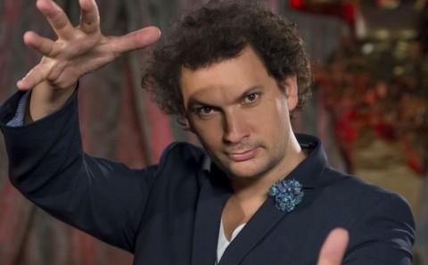 Eric-Antoine-Les-delires-magiques-sa-rencontre-avec-sa-femme-Calista-ses-enfants-son-mariage-il-dit-tout-Interview